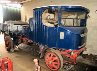英夫妇收藏大批拖拉机拍出百万英镑