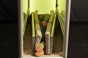 丹麦公司用强力拥抱机治疗孤独症
