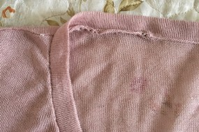 女儿买的奇葩露肩衣老爸以为开线给缝上了