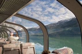 日本玻璃火车让乘客有超级视野