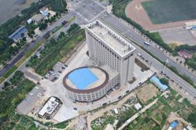 河南高校奇葩建筑外型酷似马桶