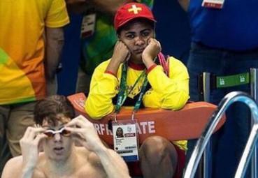 奥运会泳池还有救生员 因为淹死的都是会游泳的?