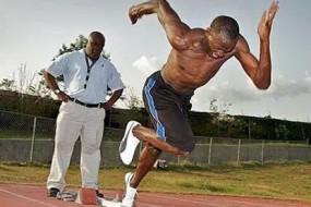 奥运飞人闪电博尔特训练艰苦 脚都练变形了