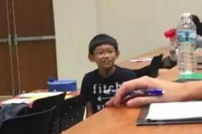 11岁神童上大学 进教室说了句话大学生都听傻了