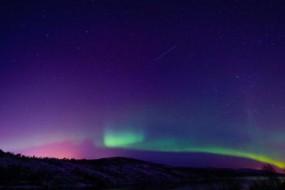 为看绚丽极光冰岛全城熄灯