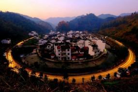 中国最圆的村子 如世外仙境