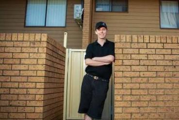 澳洲送外卖小伙9年买十多套房退休