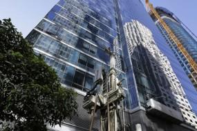 58层大厦下陷变斜塔 居民都慌了