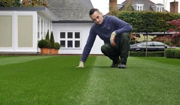 大叔种出全英国最美草坪 比女王的花园还美