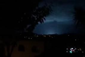 新西兰大地震前惊现恐怖天象 夜空闪神秘蓝光
