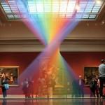艺术家在室内打造最美人造彩虹