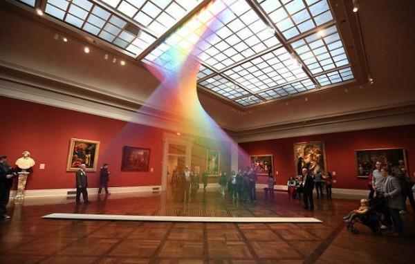 不靠光线折射 艺术家打造最美人造彩虹-趣闻巴士