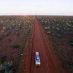 澳洲荒漠雨后出现大片绿洲景色绝美