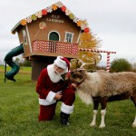 The Wider Image: The art of becoming Santa