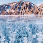 贝加尔湖冰冻气泡奇幻美景