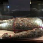 稀世珍宝铜缕玉衣展出 2257枚玉片用铜线编成