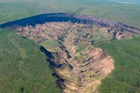俄神秘巨坑不断扩大 每年增10到30米