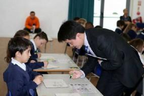 嫌本国学生数学太差 英国将用中国小学生教材