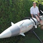 用导弹装饰花园 太霸气了