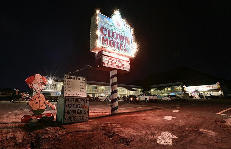 毛骨悚然 探秘全世界最恐怖惊悚的小丑旅馆