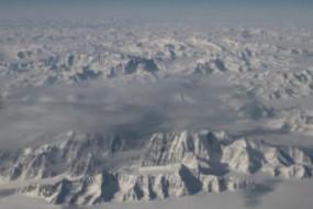 格陵兰冰盖变黑 后果很可怕