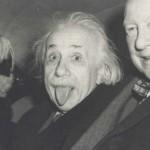 爱因斯坦卖萌吐舌照84万被买走
