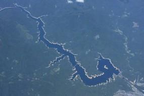 日本一河流空中俯瞰酷似中国龙