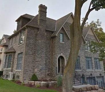 这家人因为房子盖得太像邻居而被起诉了