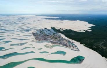 巴西沙漠显现成片泻湖 美得摄影师都想住下