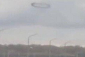 俄上空现神秘黑色圆圈久久不散