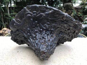 香格里拉陨石每克叫价20万 专家说是炉渣