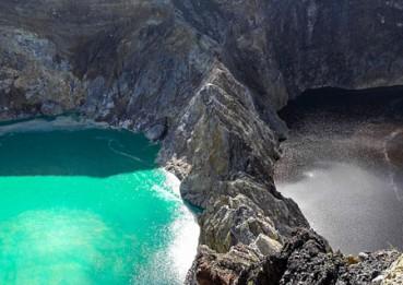 印尼三个相邻火山湖会神奇变换颜色