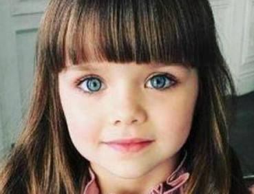 蓝色大眼睛 世上最美小女孩酷似洋娃娃