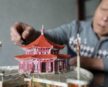 老人30年间用几十万贝壳制作精美建筑模型