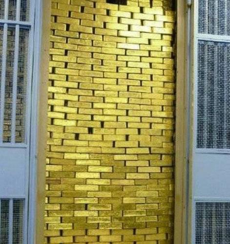 纽约联储是1924年新文艺复兴时期建造的,位于曼哈顿的金融区。它是美国联邦储备系统中最重要的、最有影响力的储备银行,也是世界最大的黄金贮藏地,保存的黄金占世界总量的1/4。-趣闻巴士
