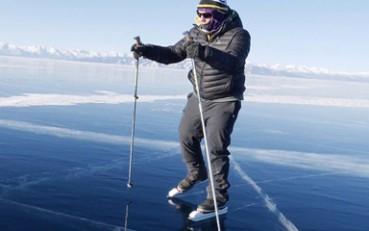 男子溜冰横穿137公里冰湖 开创新运动项目