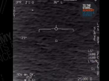 视频曝光美军飞行员遇UFO惊恐大叫