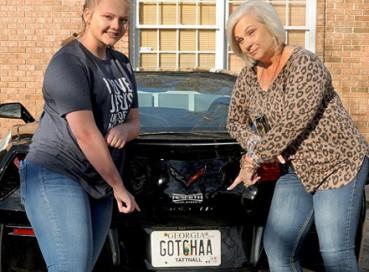 美国母女搭档做赏金猎人 抓疑犯有绝活