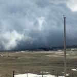 加拿大壮观海啸云瞬间遮天蔽日