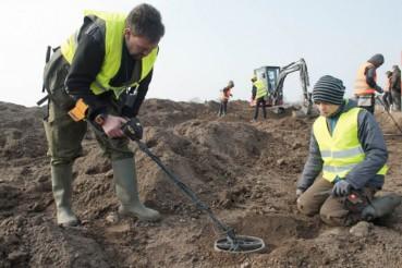 德国13岁寻宝少年发现大批千年前宝藏