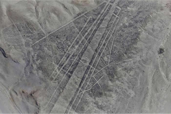 秘鲁纳斯卡沙漠再次发现超过50幅新的巨型地画-趣闻巴士