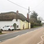 英国小镇地面每年拱起2厘米 原因不明