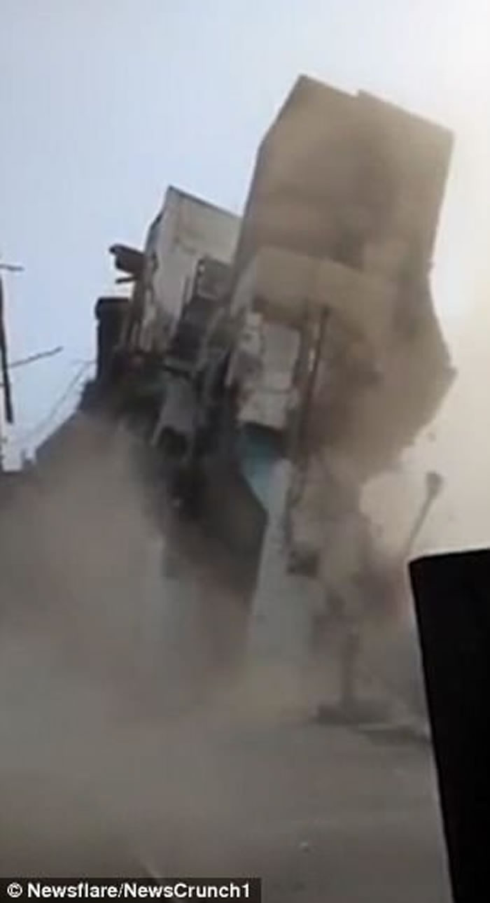 1000只老鼠啃咬地基 印度北方邦3层楼房6秒倒塌-趣闻巴士