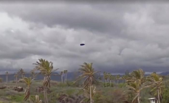 天有UFO异象!美国夏威夷大岛基拉韦厄火山持续喷发 Google地图惊见飞碟-趣闻巴士