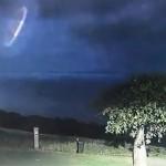 澳大利亚夜空惊现立体UFO